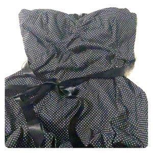 Dresses & Skirts - Black strapless dress